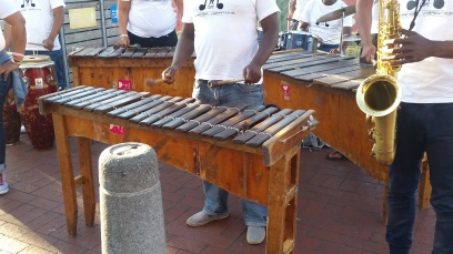 Note, no upper bars like our marimbas.